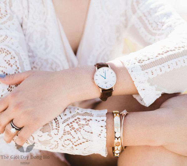 Banner dây da đồng hồ nữ
