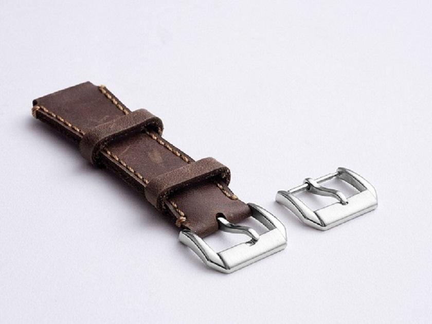 Khóa gài kim là loại khóa dây đồng hồ phổ biến