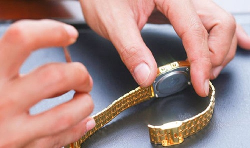 Tháo mắt dây đồng hồ phù hợp để có phù hợp với cổ tay