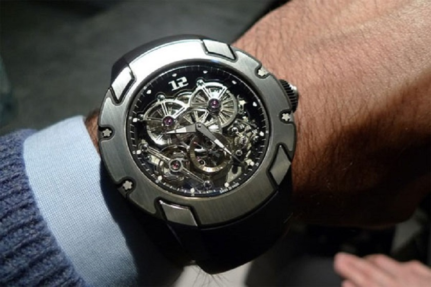 Cách lên dây cót đồng hồ cơ Automatic dễ dàng và thuận tiện